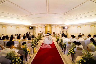 Archbishop's Palace wedding photos small 1/1