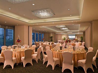 Oakwood Premier Joy-Nostalg Center Manila in Pasig City, Metro Manila