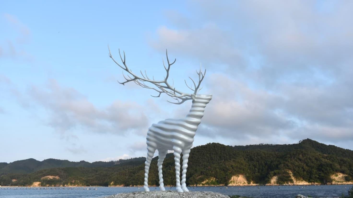 Reborn-Art Festivalで展示された《White Deer(Oshika)》(2017)