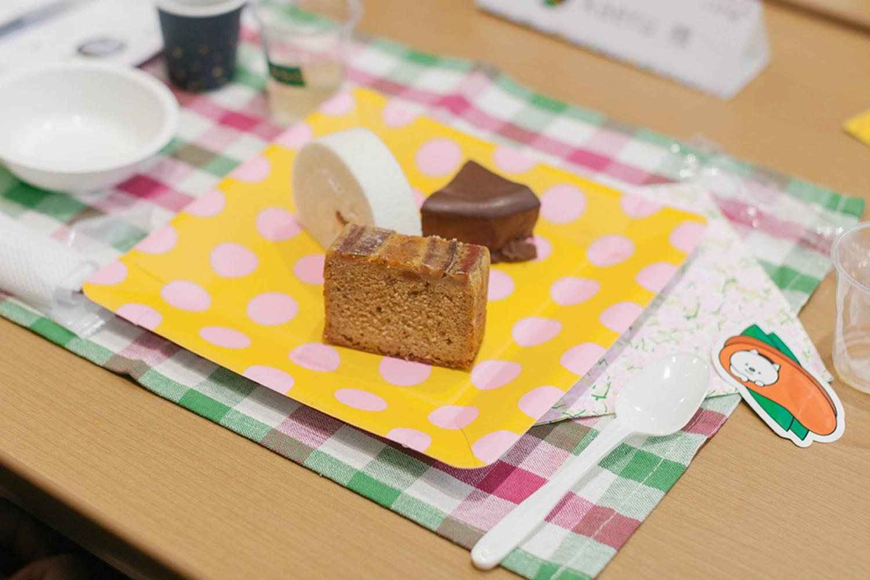 プレートには3種類のケーキが。