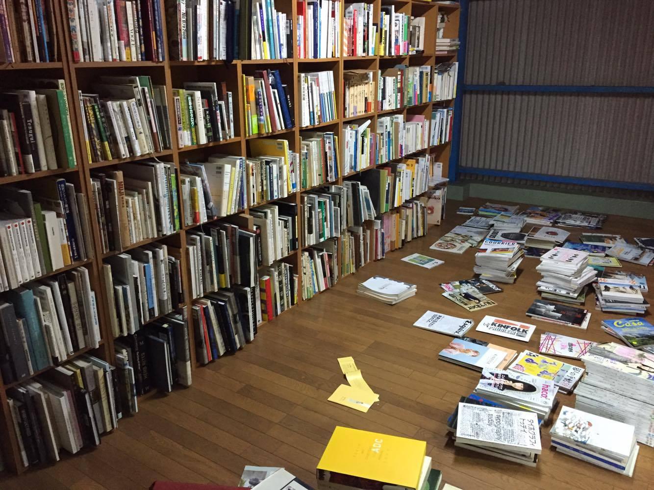 無類の本好きな白水さん。蔵書は2500冊を超えるんだそう。