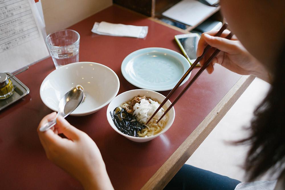 こちらが「一杯麺」お茶碗サイズがうれしい。