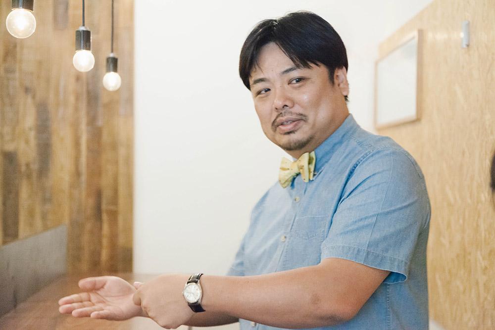 お話を伺ったのは店主の佐川一郎さん。