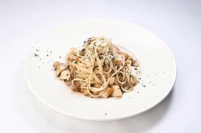 桃園機場美食餐廳:松露野菇義大利麵