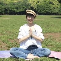 smiti yoga comaki