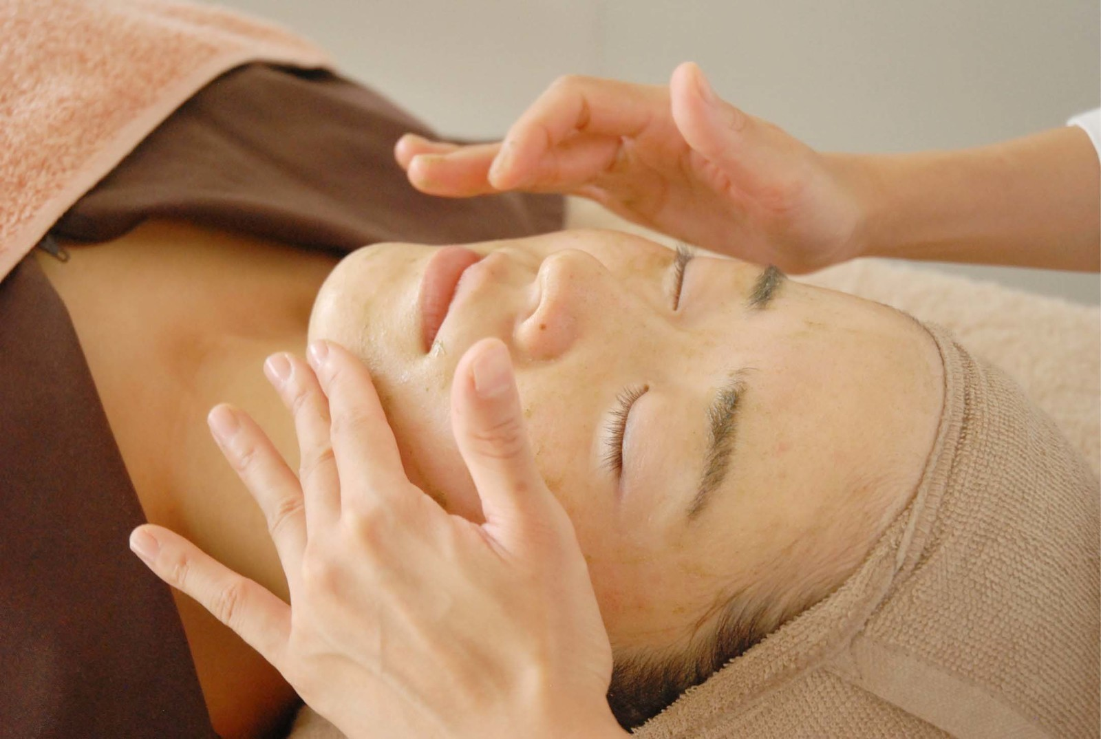 美容鍼灸+ハーブピーリング