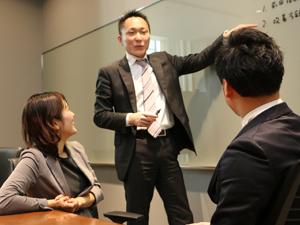 PwCコンサルティング合同会社(PwC Japanグループ)/金融コンサルタント/6つの専門チームの中からベストなポジションで活躍できる