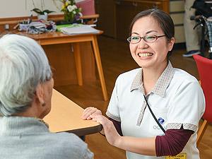 桜栄企画株式会社/新規オープン施設の介護スタッフ・責任者/未経験歓迎/40〜50代活躍中/働きながら資格を取得できます