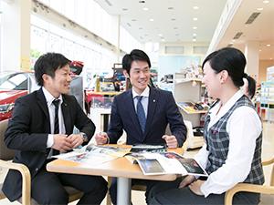 京都トヨペット株式会社/営業スタッフ( 仕事とプライベートの両立を実現させる/3名採用/業界未経験歓迎!)