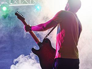 株式会社オリジン/CD・DVD・Tシャツ等の企画営業/レコード会社・映像制作会社・学校等に提案/ノルマなし/土日祝休み