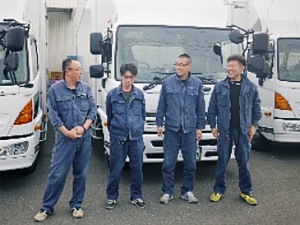株式会社オリエンタルフーズ/ルート配送ドライバー(4t) ◆未経験スタートをしっかりとサポート!長く安定して勤められる職場です。