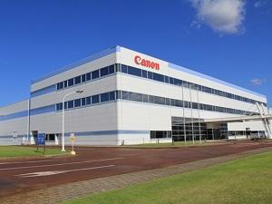 キヤノントッキ株式会社/世界トップクラスのシェアを誇る『有機ELディスプレイ』量産装置などを手掛ける制御設計・年休123日