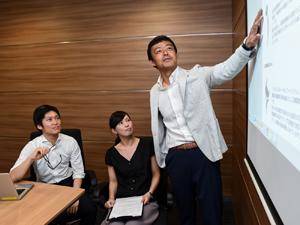 スミス・アンド・ネフュー株式会社/医療従事者向けエデュケーションコーディネーター/グローバル企業で医療の発展を担うプロデューサーに