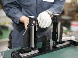 株式会社レザック/抜型製造用機器の組立から納品・整備・開発までを担うサービスエンジニア(未経験者が活躍しています)