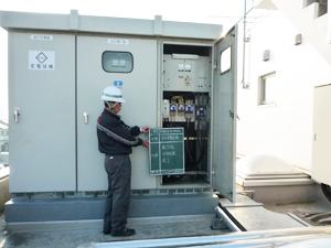松岡産業株式会社/公共性が高い設備の電気施工管理(水処理施設のポンプや病院の発電装置など)