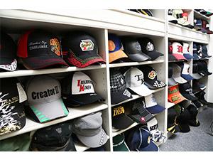 株式会社グローリー/(大手企業との取引実績多数)帽子の企画・営業/好奇心や趣味を活かして働ける仕事です