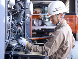 日立建機日本株式会社(日立建機グループ)/建設機械のサービスエンジニア(年間休日124日/住宅制度/資格取得支援)