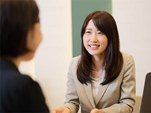 株式会社ETERNAL(東証一部上場グループ)/保険テラスのライフアドバイザー/接客経験が活かせる*人生プランを共に考えていく仕事です。
