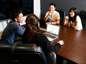 株式会社スタニングマーケティング/会社の中枢でマネジメントができる/総務・労務・採用・人事の管理職/年収700万円以上も目指せます