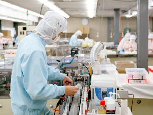株式会社白鳩/マスクの製造オペレーター(完全週休2日制(土・日)/定時は18時15分で残業なし/3名募集)