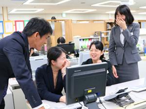 ロングライフホールディング株式会社 (JASDAQ上場企業)/経理スタッフ(リーダー候補)/上場企業で業績安定・海外にも進出してます・大阪駅や梅田駅の近く