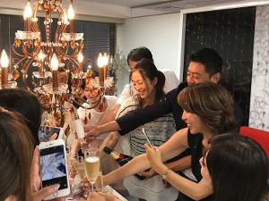 HACCI's JAPAN合同会社/【化粧品の商品開発】商品力が強みのHACCI/残業少なめ/表参道勤務/子育て中の社員も活躍