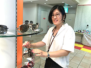 株式会社ニシオカ/「地域のお客さまと仲良くなれる」メガネ販売スタッフ/学歴・経験・ブランク一切不問/女性活躍中