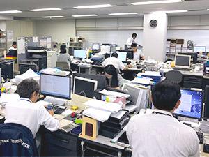 日本貿易輸送株式会社/事務スタッフ(請求書作成・電話応対など)/未経験からのスタートOK・有給の取得率高