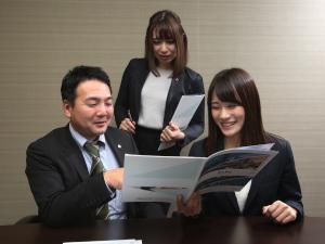 AZEST-PRO株式会社/未経験OKのマンション管理スタッフ/土日休/残業月10h未満