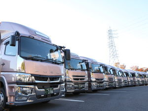 株式会社ランドキャリー/運送会社でトラック整備士(経験者優遇/月給45万円も可能!)