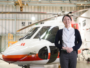 朝日航洋株式会社/運航管理/パイロットのパートナー/年間休日120日