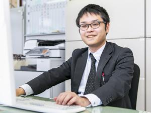 株式会社アーク/本社管理部門における経営企画/年休120日/月給25万円以上