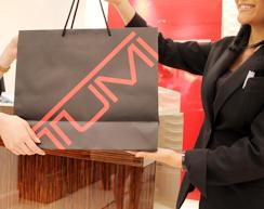 株式会社 トゥミ ジャパン/ショップスタッフ◆トラベルビジネスバッグ『TUMI』(トゥミ)◆転勤なし