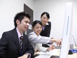 ZACソリューション株式会社/BIエンジニア/年間休日126日/社宅費用全額負担