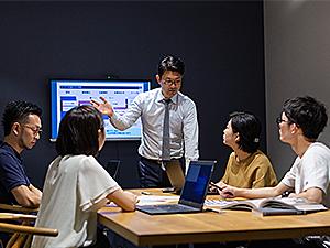 株式会社エムハンド/WEBディレクター(リモート可/フレックス/月給31万円〜)