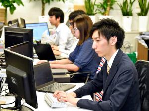 株式会社DYM/Webマーケター(未経験歓迎)/土日祝休み/月給32万円