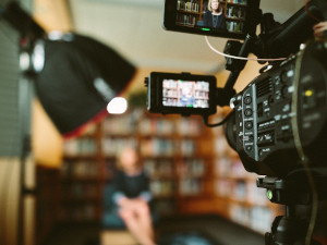 株式会社STELLA‐TV/映像コンテンツの企画制作(未経験歓迎)/土日祝休み