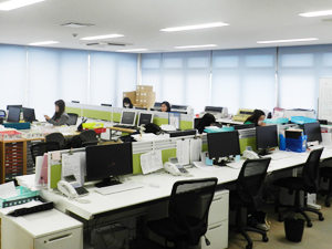 株式会社マキシム/事務スタッフ/月給24万以上・週休2日・転勤なし・賞与年2回