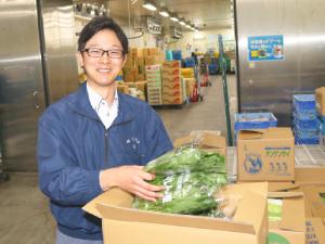 株式会社ワタリ(Watari Co., Ltd.)/青果品の仕入担当/一年を通しおいしい野菜を消費者にお届け