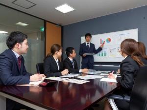 シノブフーズ株式会社/食品メーカーの(1)提案営業(2)商品開発/充実の待遇!