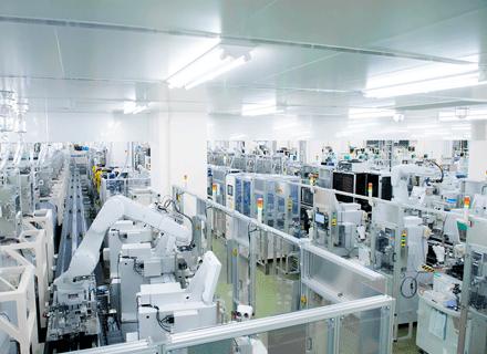 日亜化学工業株式会社/社内SE(インフラエンジニア)/白色LEDで世界トップクラスのシェア/年間休日125日/社宅あり