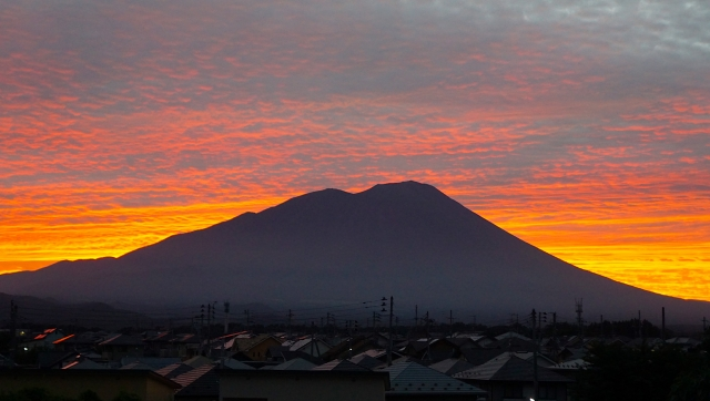 You can see a beautiful scene of Mt Iwate at dusk.