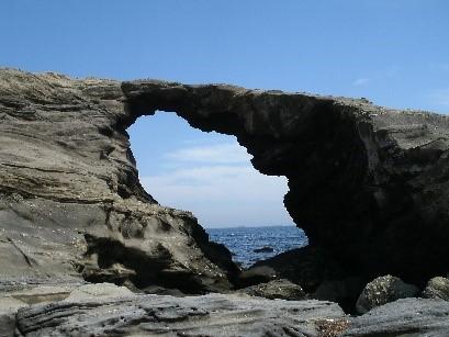 馬の背洞門はインスタ映えスポットとしても有名です