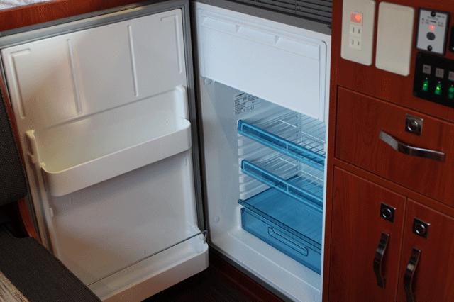 冷蔵庫90リットル FFヒーター