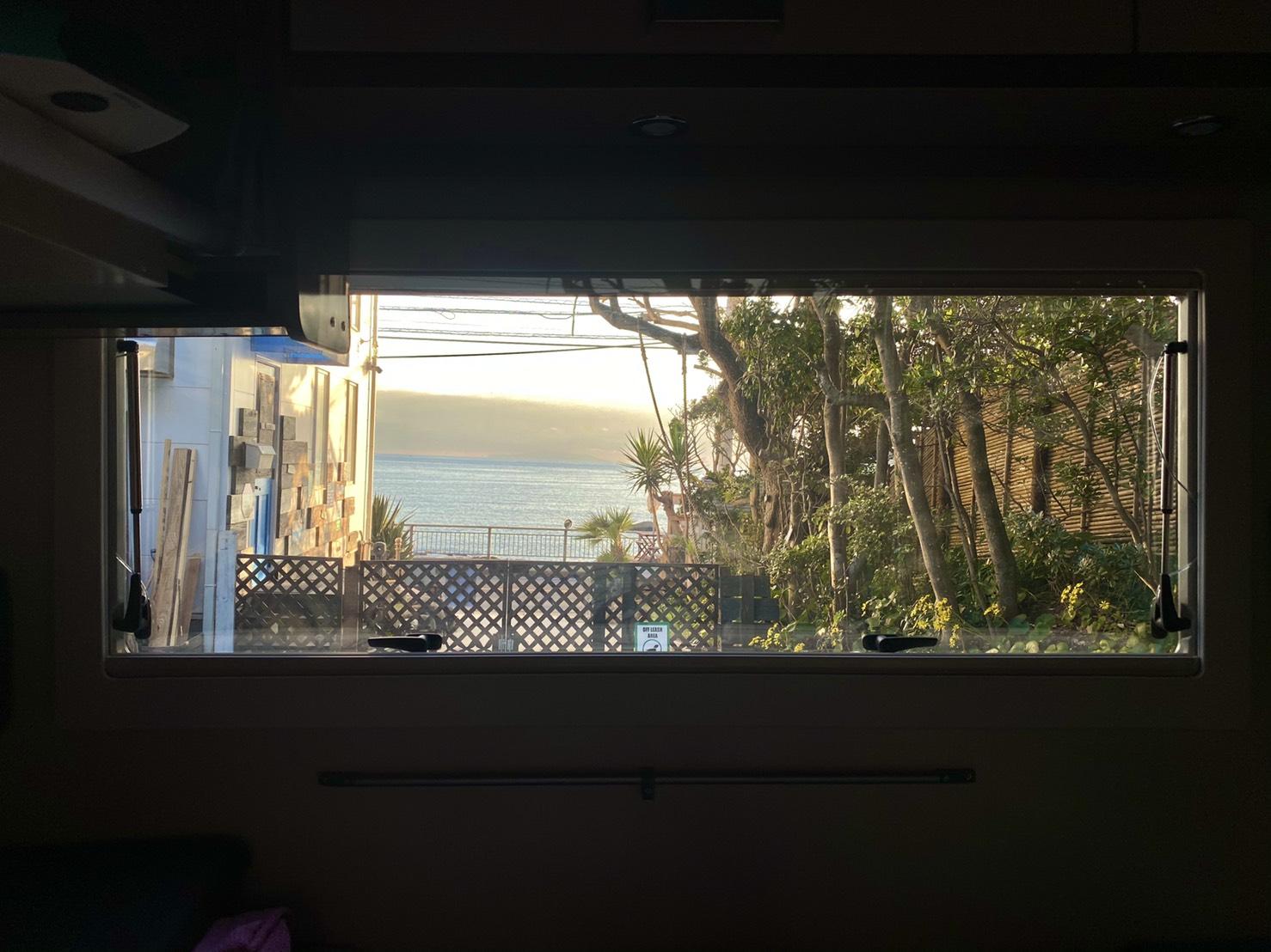 車内からは海が見えちゃいます