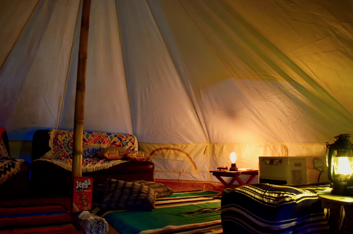 テントで泊まりたい方!簡単グランピングご宿泊(大人4名まで就寝できます)