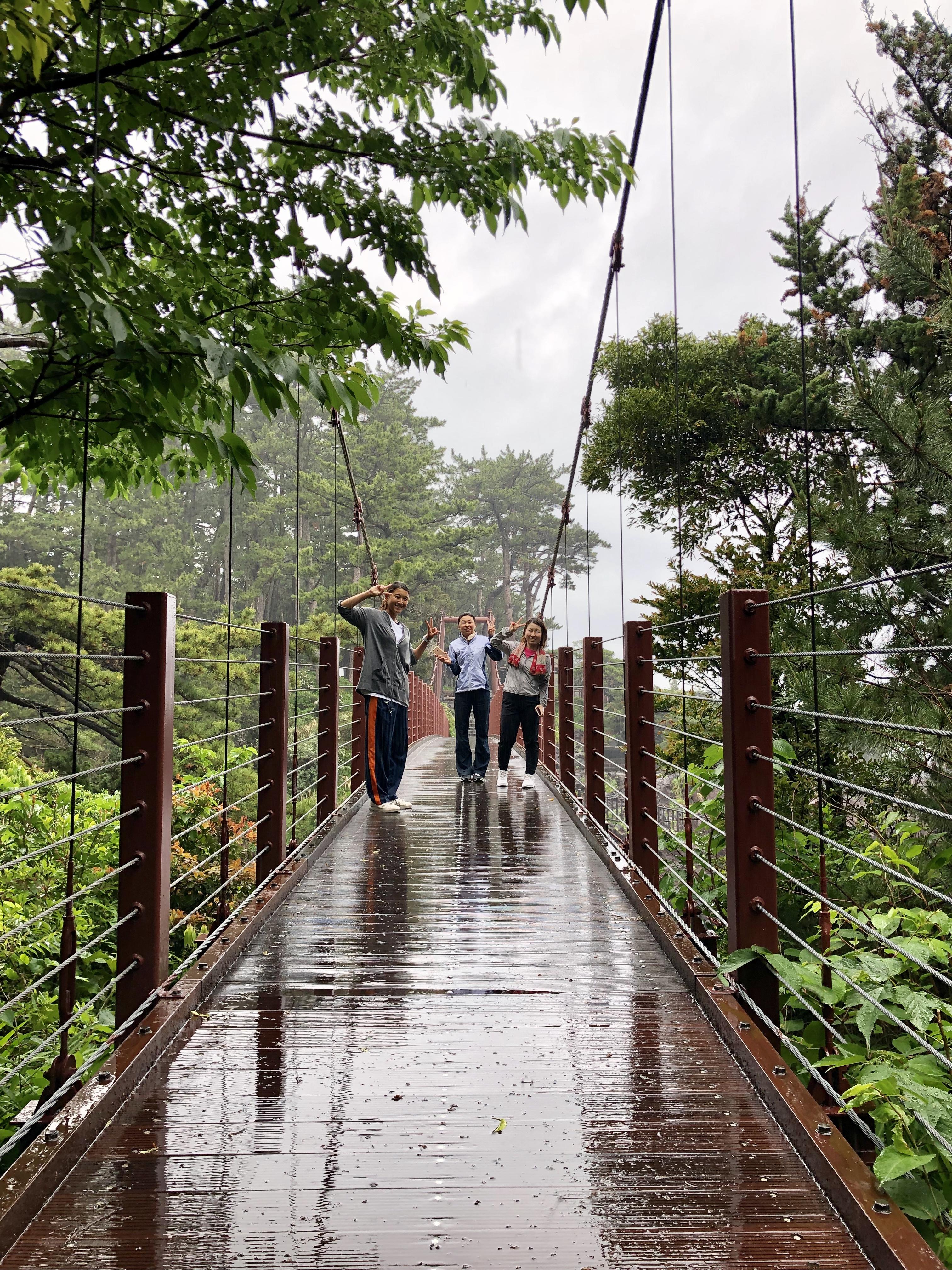 吊橋までジョギングで35分!車で8分!