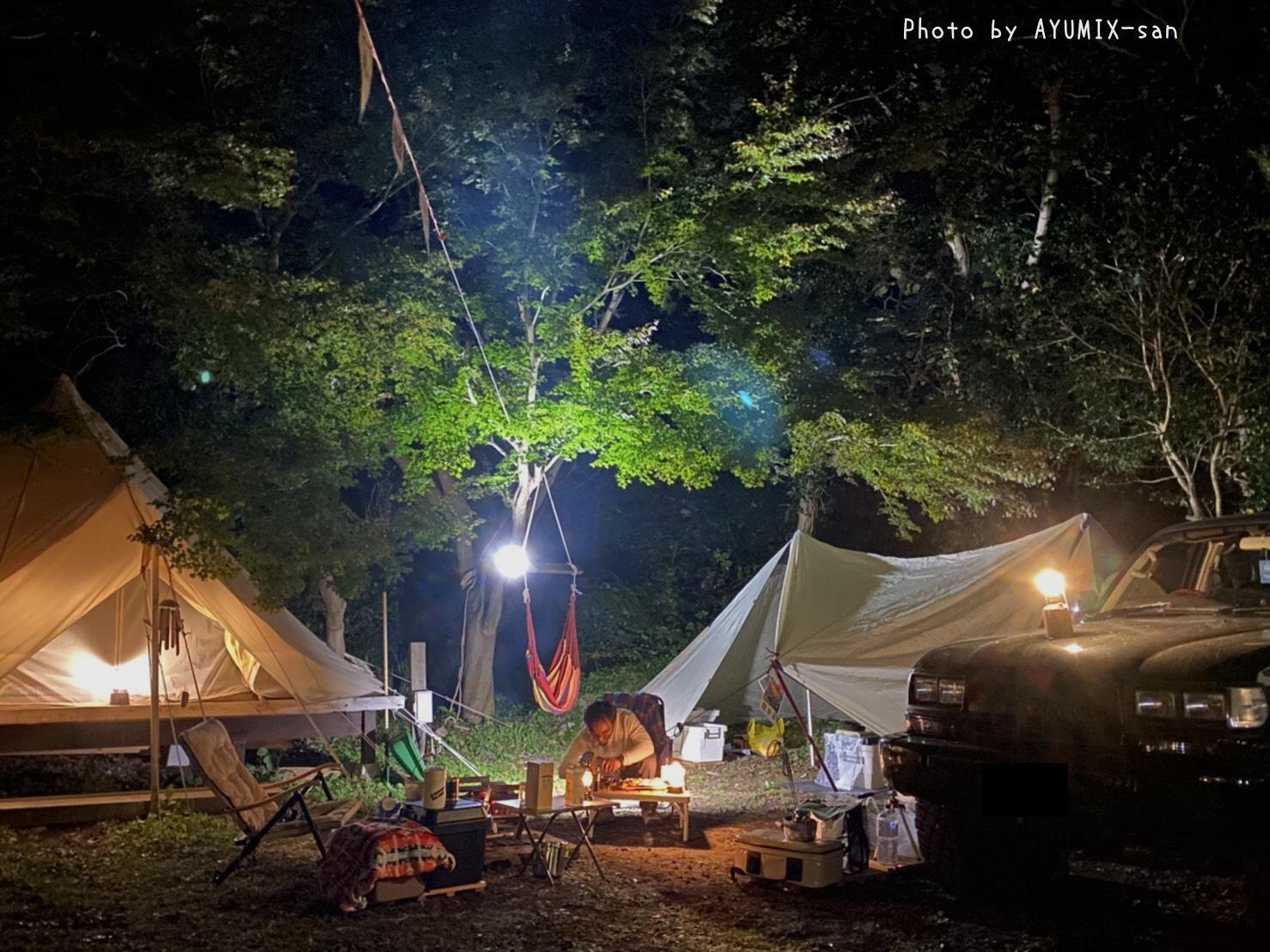 焚き火をする場合にはオプションでもう一台分の3m*6.3mのスペースを確保!テント設営もでタープで調理OK!   3500円/1日