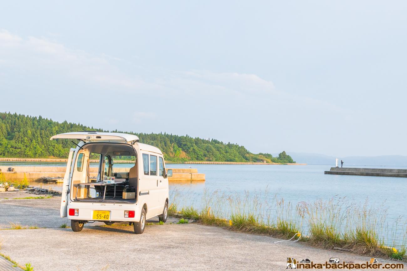 奥能登の穏やかなな海目の前に停めて車中泊、開放感あっていいですよ!