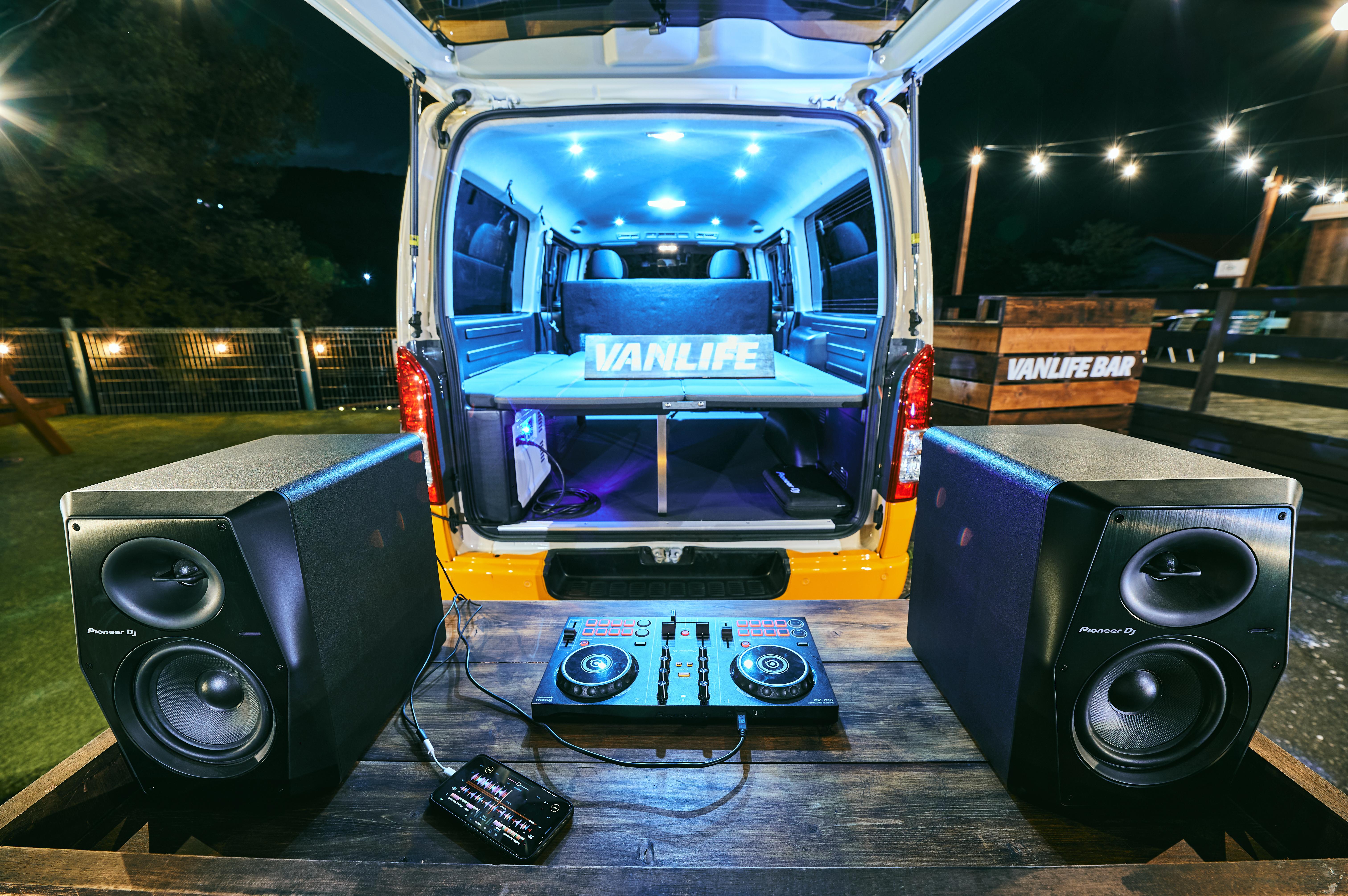 (7)付属備品(DJ機材 Pioneer DDJ-200 & スピーカー Pioneer VM-70)